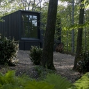 Maziar Behrooz container home / Long Island